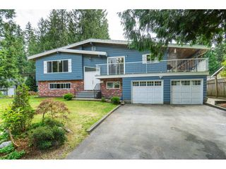 Photo 1: 19770 38A Avenue in Langley: Brookswood Langley House for sale : MLS®# R2493667