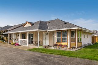 Main Photo: 35 20554 118 Avenue in Maple Ridge: Southwest Maple Ridge Townhouse for sale : MLS®# R2499069