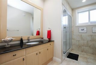 Photo 32: 1420 WOODWARD Crescent in Edmonton: Zone 22 House for sale : MLS®# E4216828