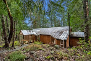 Photo 32: 220 South Bank Dr in : GI Salt Spring House for sale (Gulf Islands)  : MLS®# 862694