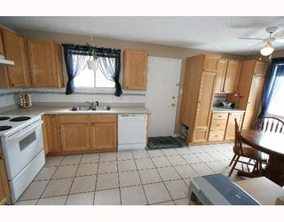Photo 4:  in CALGARY: Falconridge Residential Detached Single Family for sale (Calgary)  : MLS®# C3256546