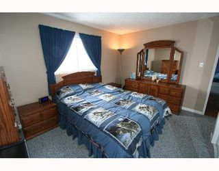 Photo 6:  in CALGARY: Falconridge Residential Detached Single Family for sale (Calgary)  : MLS®# C3256546