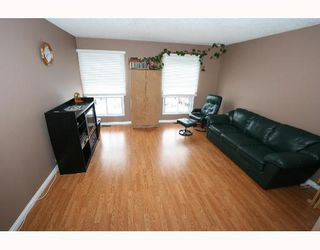 Photo 3:  in CALGARY: Falconridge Residential Detached Single Family for sale (Calgary)  : MLS®# C3256546