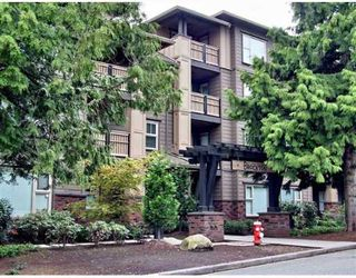 """Photo 1: 108 808 SANGSTER Place in New_Westminster: The Heights NW Condo for sale in """"BROCKTON"""" (New Westminster)  : MLS®# V645217"""