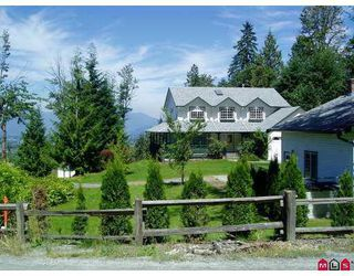 Main Photo: 7158 MARBLE HILL Road in Chilliwack: Eastern Hillsides House for sale : MLS®# H2704425