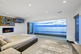 Photo 14: LA JOLLA House for sale : 4 bedrooms : 6669 Neptune Pl.