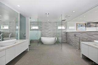 Photo 15: LA JOLLA House for sale : 4 bedrooms : 6669 Neptune Pl.