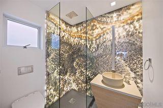 Photo 13: LA JOLLA House for sale : 4 bedrooms : 6669 Neptune Pl.
