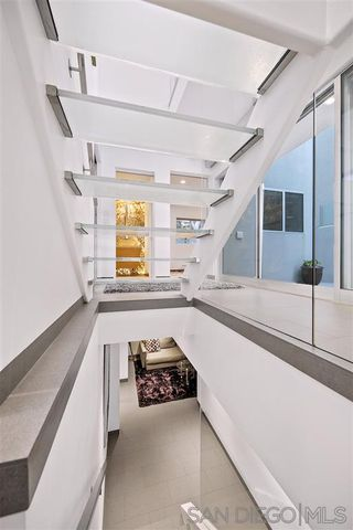 Photo 19: LA JOLLA House for sale : 4 bedrooms : 6669 Neptune Pl.