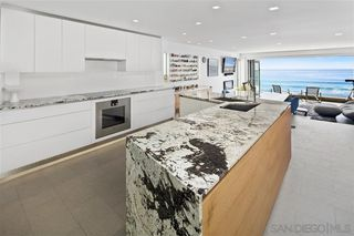 Photo 10: LA JOLLA House for sale : 4 bedrooms : 6669 Neptune Pl.