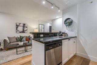 "Photo 17: 1403 928 RICHARDS Street in Vancouver: Yaletown Condo for sale in ""THE SAVOY"" (Vancouver West)  : MLS®# R2461037"