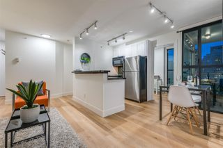 "Photo 6: 1403 928 RICHARDS Street in Vancouver: Yaletown Condo for sale in ""THE SAVOY"" (Vancouver West)  : MLS®# R2461037"