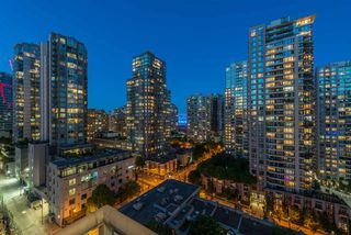 "Photo 13: 1403 928 RICHARDS Street in Vancouver: Yaletown Condo for sale in ""THE SAVOY"" (Vancouver West)  : MLS®# R2461037"