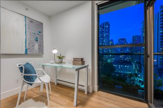 "Photo 8: 1403 928 RICHARDS Street in Vancouver: Yaletown Condo for sale in ""THE SAVOY"" (Vancouver West)  : MLS®# R2461037"