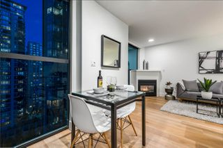 "Photo 15: 1403 928 RICHARDS Street in Vancouver: Yaletown Condo for sale in ""THE SAVOY"" (Vancouver West)  : MLS®# R2461037"