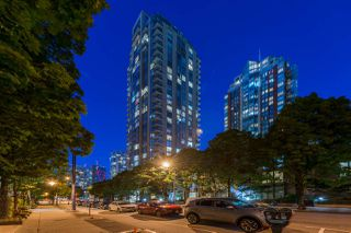 "Main Photo: 1403 928 RICHARDS Street in Vancouver: Yaletown Condo for sale in ""THE SAVOY"" (Vancouver West)  : MLS®# R2461037"