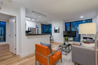"Photo 5: 1403 928 RICHARDS Street in Vancouver: Yaletown Condo for sale in ""THE SAVOY"" (Vancouver West)  : MLS®# R2461037"