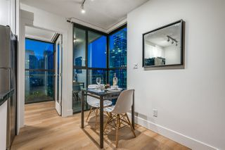 "Photo 7: 1403 928 RICHARDS Street in Vancouver: Yaletown Condo for sale in ""THE SAVOY"" (Vancouver West)  : MLS®# R2461037"