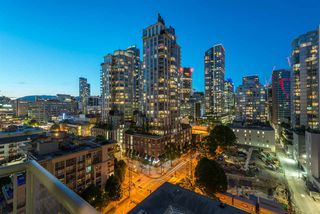 "Photo 12: 1403 928 RICHARDS Street in Vancouver: Yaletown Condo for sale in ""THE SAVOY"" (Vancouver West)  : MLS®# R2461037"
