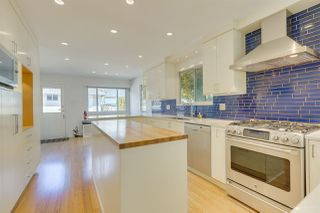 Photo 11: 2555 W 14TH Avenue in Vancouver: Kitsilano House for sale (Vancouver West)  : MLS®# R2462654