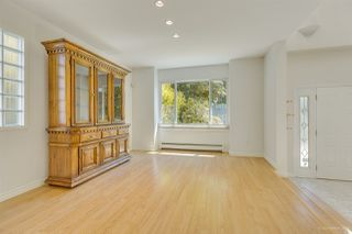 Photo 9: 2555 W 14TH Avenue in Vancouver: Kitsilano House for sale (Vancouver West)  : MLS®# R2462654