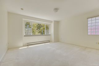 Photo 18: 2555 W 14TH Avenue in Vancouver: Kitsilano House for sale (Vancouver West)  : MLS®# R2462654