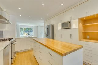 Photo 12: 2555 W 14TH Avenue in Vancouver: Kitsilano House for sale (Vancouver West)  : MLS®# R2462654