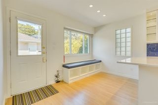 Photo 13: 2555 W 14TH Avenue in Vancouver: Kitsilano House for sale (Vancouver West)  : MLS®# R2462654