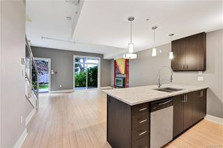 Photo 5: 102 606 SPEED Ave in Victoria: Vi Mayfair Row/Townhouse for sale : MLS®# 844265