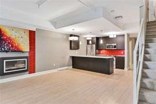 Photo 3: 102 606 SPEED Ave in Victoria: Vi Mayfair Row/Townhouse for sale : MLS®# 844265
