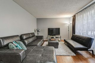 Photo 2: 635 Sierra Crescent SW in Calgary: Southwood Detached for sale : MLS®# A1047735