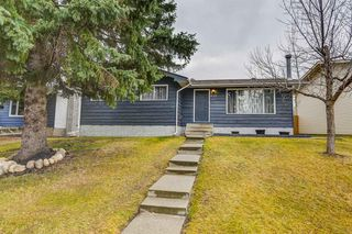 Photo 1: 635 Sierra Crescent SW in Calgary: Southwood Detached for sale : MLS®# A1047735
