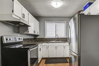 Photo 4: 635 Sierra Crescent SW in Calgary: Southwood Detached for sale : MLS®# A1047735
