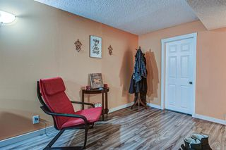 Photo 13: 635 Sierra Crescent SW in Calgary: Southwood Detached for sale : MLS®# A1047735