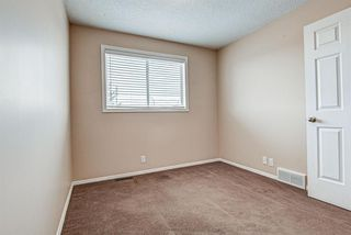 Photo 18: 19 Millrose Place SW in Calgary: Millrise Row/Townhouse for sale : MLS®# A1049361