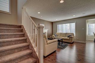 Photo 2: 5117 19A Avenue in Edmonton: Zone 53 House for sale : MLS®# E4174966