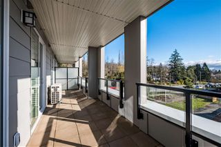 """Photo 4: 211 20826 72 Avenue in Langley: Willoughby Heights Condo for sale in """"LATTICE 2"""" : MLS®# R2440422"""