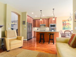 "Photo 9: 28 5300 ADMIRAL Way in Delta: Neilsen Grove Townhouse for sale in ""WOODWARDS LANDING"" (Ladner)  : MLS®# R2469048"