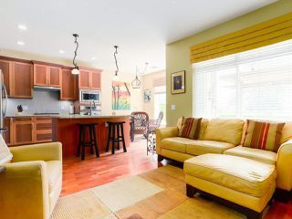 "Photo 10: 28 5300 ADMIRAL Way in Delta: Neilsen Grove Townhouse for sale in ""WOODWARDS LANDING"" (Ladner)  : MLS®# R2469048"