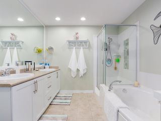 """Photo 19: 28 5300 ADMIRAL Way in Delta: Neilsen Grove Townhouse for sale in """"WOODWARDS LANDING"""" (Ladner)  : MLS®# R2469048"""