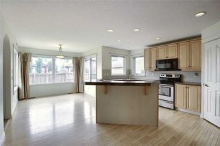 Photo 12: 258 PRESTWICK Close SE in Calgary: McKenzie Towne Detached for sale : MLS®# C4304950