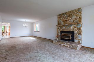 Photo 12: 1350 Pheasant Pl in : CV Courtenay East House for sale (Comox Valley)  : MLS®# 856183