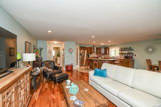 Photo 4: 842 Grumman Pl in : CV Comox (Town of) House for sale (Comox Valley)  : MLS®# 857324