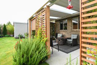 Photo 2: 842 Grumman Pl in : CV Comox (Town of) House for sale (Comox Valley)  : MLS®# 857324