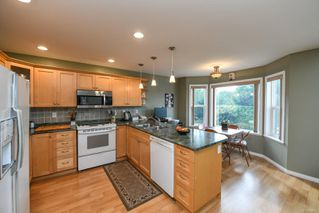 Photo 6: 2281 Stirling Cres in : CV Courtenay East House for sale (Comox Valley)  : MLS®# 858213
