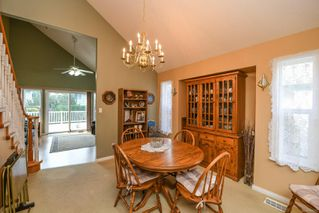 Photo 8: 2281 Stirling Cres in : CV Courtenay East House for sale (Comox Valley)  : MLS®# 858213