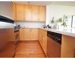 Photo 9: # 703 2055 YUKON ST in Vancouver: Condo for sale : MLS®# V862810