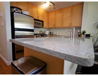 Photo 2: # 703 2055 YUKON ST in Vancouver: Condo for sale : MLS®# V862810