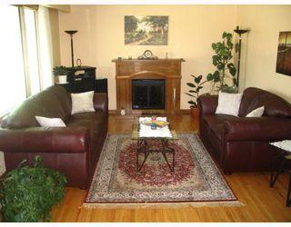 Photo 3: 126 DE GRAFF Bay in WINNIPEG: North Kildonan Residential for sale (North East Winnipeg)  : MLS®# 2809947