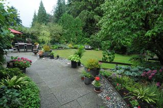 Photo 1: 2208 GREYLYNN Crescent in North Vancouver: Westlynn House for sale : MLS®# R2396694
